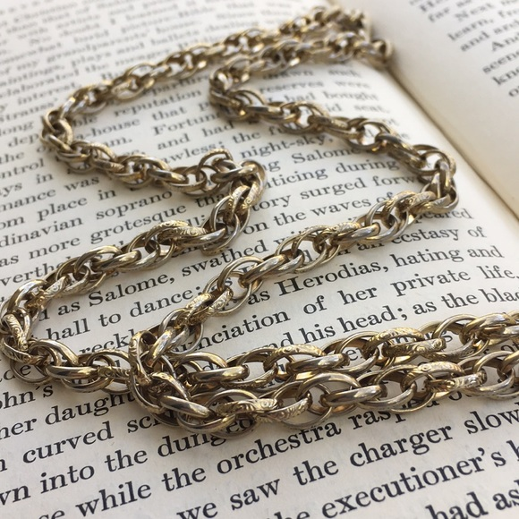 Gold Baroque Chain